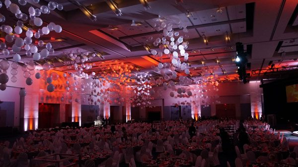 These champagne bubble designs used at the Knoxville Chamber Pinnacle Awards lowered the ceiling at the Knoxville Convention Center and created an intimate feel in the ballroom.